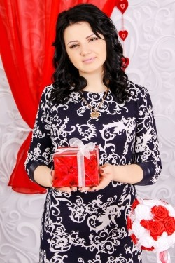 Photo of beautiful Ukraine  Victoria with black hair and green eyes - 28456